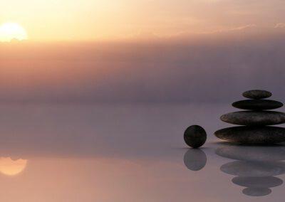 Mindfulness helpt je minder te piekeren en legt de focus op het creëren van rust in het nu